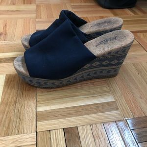 Lucky Brand Size 7.5 Wedge Sandals